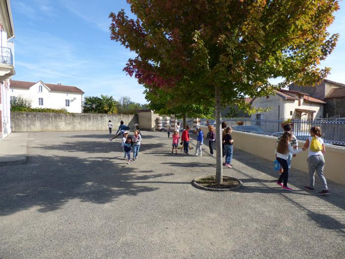 Vous regardez une image de l'article: Une rentrée scolaire c'est aussi, et surtout, des enseignants, des élèves et des parents !